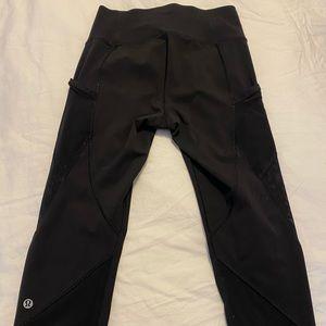 Lulu Lemon black cropped leggings, size 6